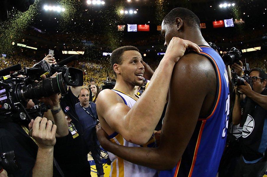 レブロンの悲願かウォリアーズ王朝か。今季NBAファイナルで革命が起こる!<Number Web> photograph by Getty Images