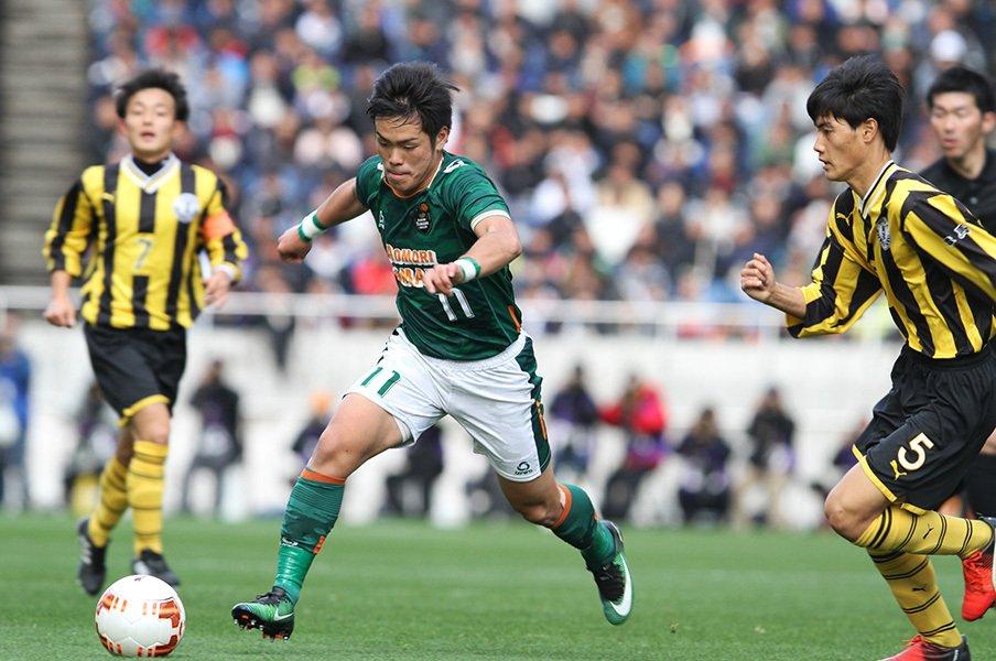 守備戦術が発達した高校サッカー界。ストライカー不足の理由は何なのか?<Number Web> photograph by Tadakatsu Matsuzaka