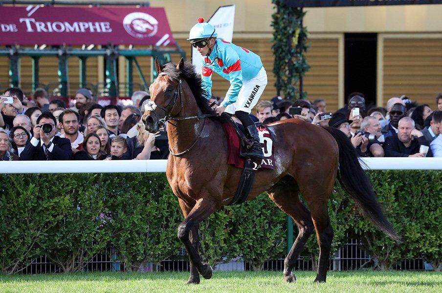 大阪杯は関東の牡馬vs.関西の牝馬。ブラストワンピースに復権の気配。<Number Web> photograph by Yuji Takahashi