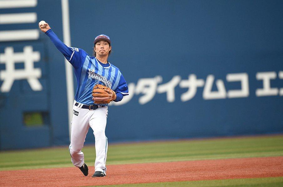 石井琢朗が認める「背番号5」の後継。DeNA倉本寿彦、2年目での3割死守を。<Number Web> photograph by Naoya Sanuki
