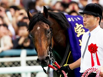 女傑を捻じ伏せて異端の6歳馬が制した宝塚記念。~アーネストリーGI初勝利の真価~<Number Web> photograph by Kiichi Yamamoto