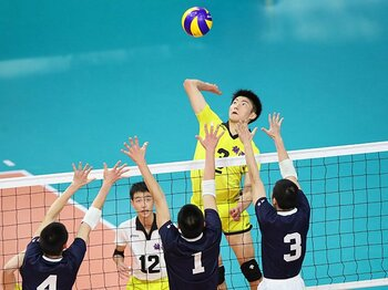 春高バレー、大山加奈らの提言。「選手の将来を守ってあげたい」<Number Web> photograph by YUTAKA/AFLO SPORT