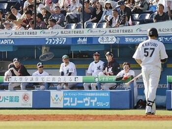 ロッテのチーム打率が衝撃の1割台。戦後最低をひた走る歴史的な貧打線。<Number Web> photograph by Kyodo News