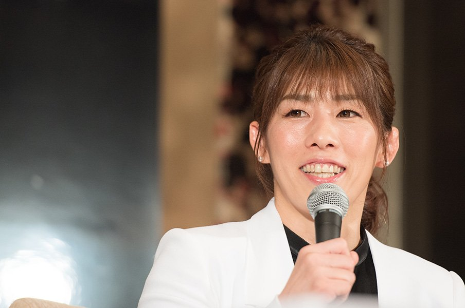 吉田沙保里は神様で、お姉ちゃん。登坂絵莉ら後輩から慕われた理由。<Number Web> photograph by Asami Enomoto