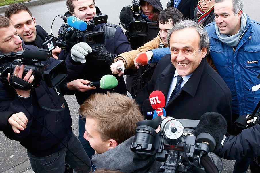 プラティニは罠にはまったのか……。欧州に渦巻く陰謀とFIFA不正疑惑。<Number Web> photograph by REUTERS/AFLO