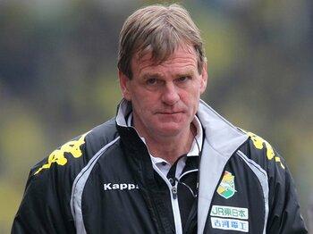 「表現力」あるサッカーでJ1昇格を!ジェフ千葉・ドワイト監督の意識改革。<Number Web> photograph by AFLO