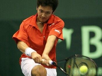 デビス杯圧勝の裏に見えた、伊藤竜馬の課題。~テニス界のホープは21歳~<Number Web> photograph by Akio Matsumoto