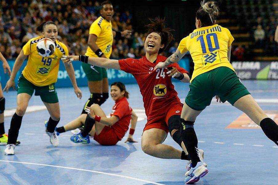 女子ハンドボール日本代表の快挙。欧州の強豪国に勝利するまでの道。<Number Web> photograph by Yukihito Taguchi