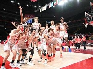 """""""苦難と失意の連続""""から日本女子バスケが史上最強に… 「東京五輪で金メダルを」宣言が一笑に付されたアメリカ人指揮官の哲学とは"""
