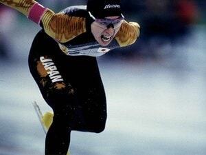 """骨が折れても皮膚が裂けても橋本聖子は滑り続けた 冬季4回、夏季3回出場""""五輪の申し子""""はいかに誕生したか"""