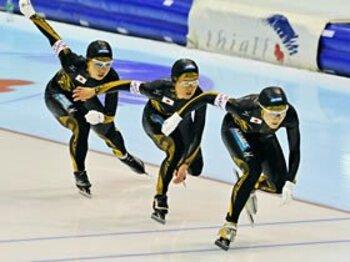 <チームパシュートの期待の星たち> 4つの個性をひとつにして。 ~特集:バンクーバーに挑む~<Number Web> photograph by Yoshiyuki Mizuno