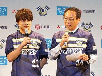 地方から日本サッカーと社会を変革!FC今治オーナー就任、岡田武史の夢。<Number Web> photograph by Toshio Ninomiya