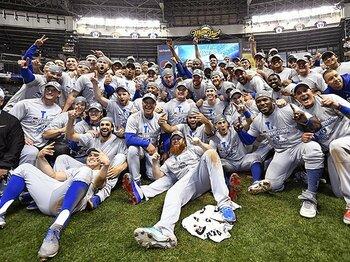 ドジャース連覇とフライボール。データ至上主義野球への違和感。<Number Web> photograph by Kyodo News