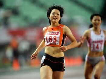 48年ぶり出場の陸上女子400mリレー。決勝進出の鍵、16歳土井杏南の存在。<Number Web> photograph by Asami Enomoto