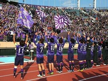 「絶対王者なきJリーグ」の見方とは?群雄割拠極まる2013年を大胆予測!<Number Web> photograph by Daiju Kitamura/AFLO