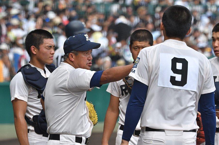 強打・履正社が最後に見せた緻密さ。奥川恭伸を崩した「大事なバント」。<Number Web> photograph by Hideki Sugiyama