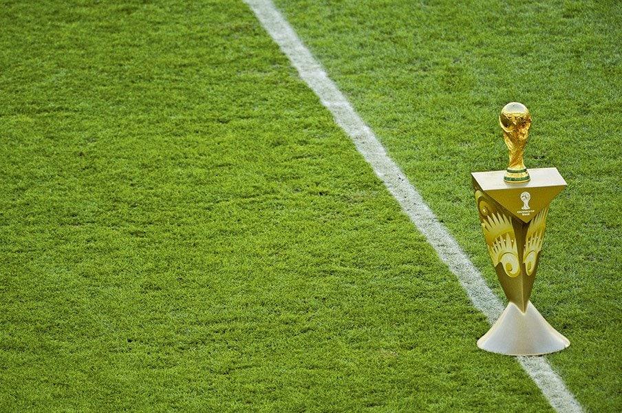 W杯が48カ国に増えることについて、世界最高のサッカー誌は、こう考える。<Number Web> photograph by RICHARD MARTIN