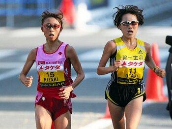"""東アフリカ勢が席巻する女子マラソン。日本の秘策は""""チーム戦術""""にあり!?<Number Web> photograph by POOL(NIKKAN SPORTS)/AFLO"""