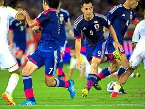 """武藤と柴崎のゴールを""""お膳立て""""。新しい武器「速攻」の中心は岡崎。"""
