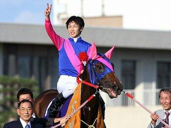 ジェンティルへの挑戦権をかけて。二冠マンボが挑むエリザベス女王杯。<Number Web> photograph by Eiichi Yamane/AFLO