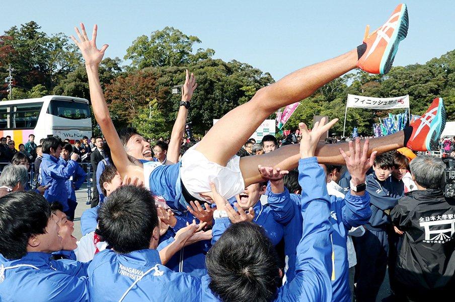 今季の箱根は3強体制になるのか。全日本を制した神奈川大の本音は?<Number Web> photograph by Kyodo News
