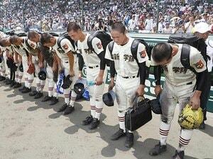1回戦の頂上対決で大阪桐蔭に惜敗。挑戦者に徹した作新学院の積極戦術。