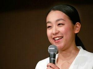 浅田真央、引退発表から3年──。今こそ笑顔と言葉の意味を再考する。