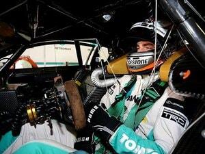 レーシングカーのコックピットがどれだけ過酷か、知ってる?
