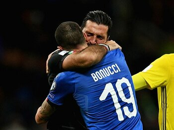 涙の選手、怒る国民、居直る指揮官。W杯を失ったイタリア「世界の破滅」。<Number Web> photograph by Getty Images