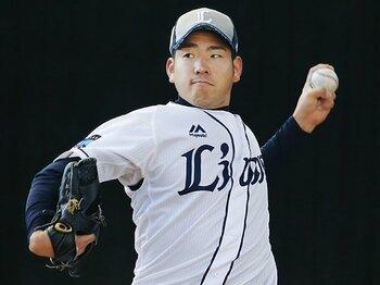 菊池雄星と大石達也のブルペン観察。ドラ1の速球は残酷に好対照だが……。<Number Web> photograph by Kyodo News