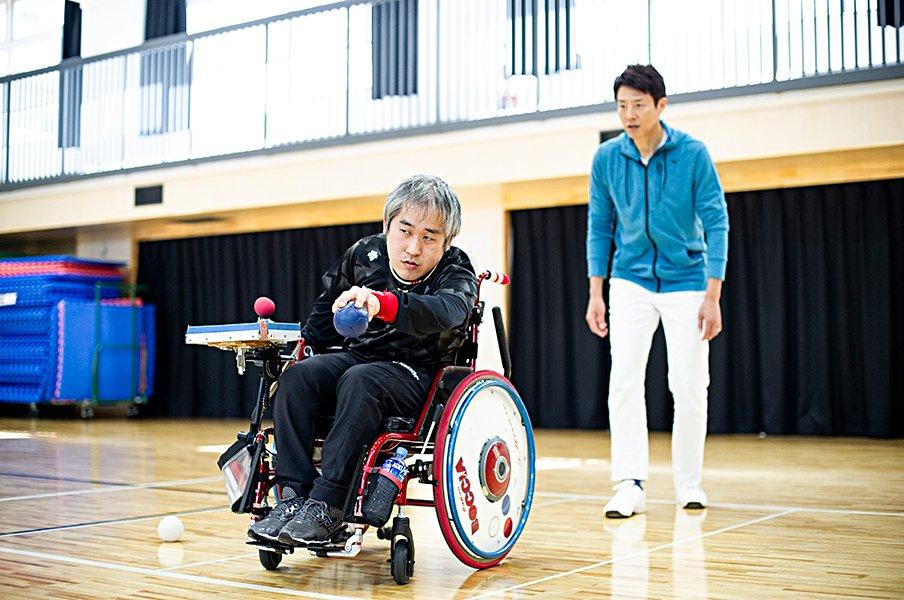 ボッチャ・廣瀬隆喜が父と泣いた夜。修造、家族の強く温かな絆に触れる。<Number Web> photograph by Yuki Suenaga