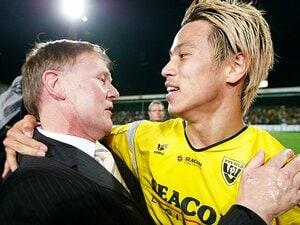 本田圭佑を欧州の舞台へ導いた男。VVV会長が語る移籍、ミラン、W杯。