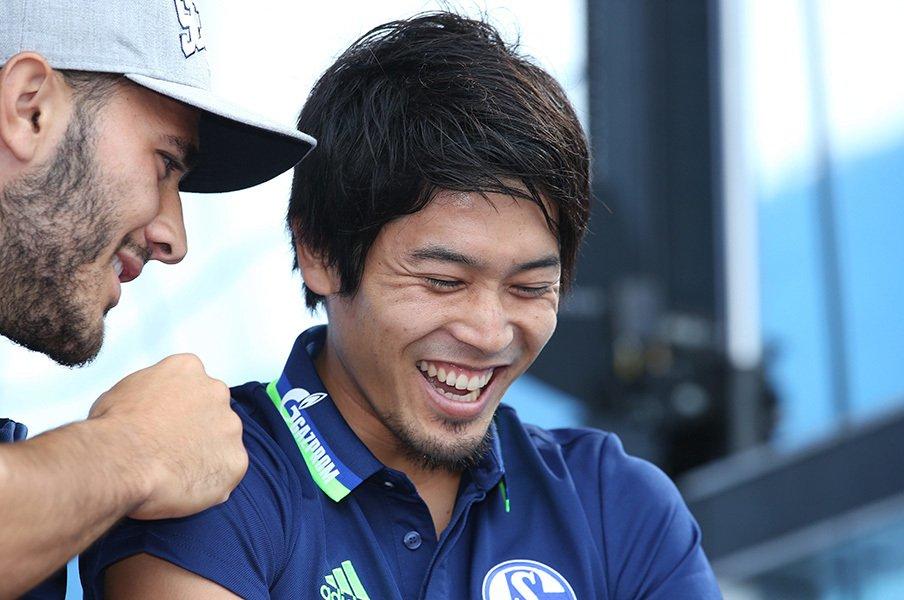 「ウッシーコール」は今も変わらず。シャルケと内田篤人、相思相愛の今。<Number Web> photograph by AFLO