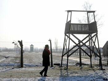 ドイツ代表が背負う、アウシュビッツの十字架。~EURO開催地ポーランドで議論~<Number Web> photograph by AFLO