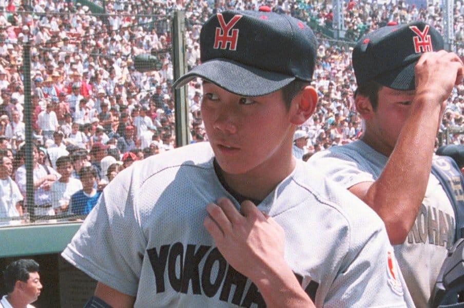 プロ選手たちの証言。高校野球での「水を飲むな」の境界線は松坂世代?<Number Web> photograph by Kyodo News