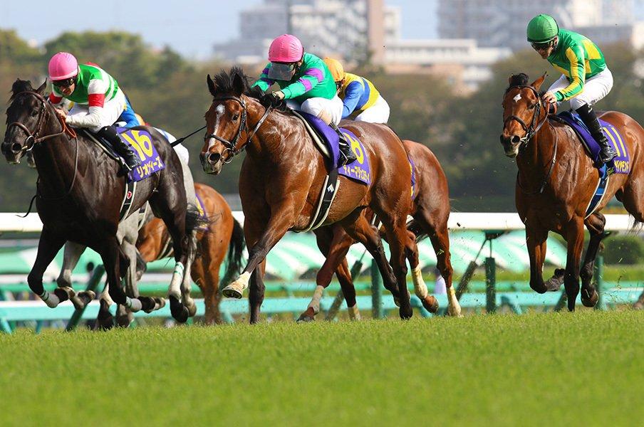 ディーマジェスティが皐月賞制す。「飛ぶ」ではなく「沈む」ディープ産駒。<Number Web> photograph by Yuji Takahashi