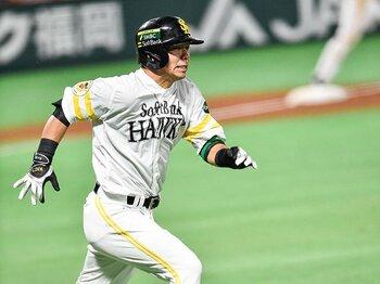 """球界史上初の年間100勝も夢じゃない!?'16年も""""球界の盟主""""はホークスだ!<Number Web> photograph by Nanae Suzuki"""