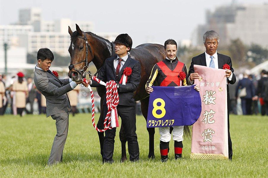 藤沢和雄、ぶっつけで桜花賞2勝目。グランアレグリアと20年前の記憶。<Number Web> photograph by Kyodo News