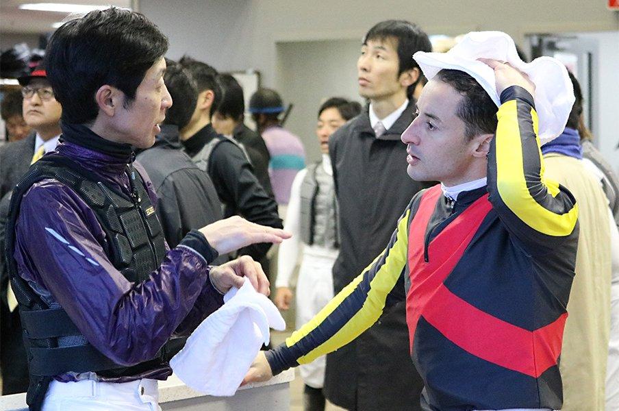 武豊とルメール、尊敬しあう間柄。「ユタカさんはずっと憧れの先輩」<Number Web> photograph by Satoshi Hiramatsu