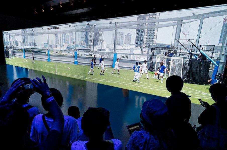 <近未来を体験>第5世代移動通信システム「5G」が実現するサッカー観戦の未来。