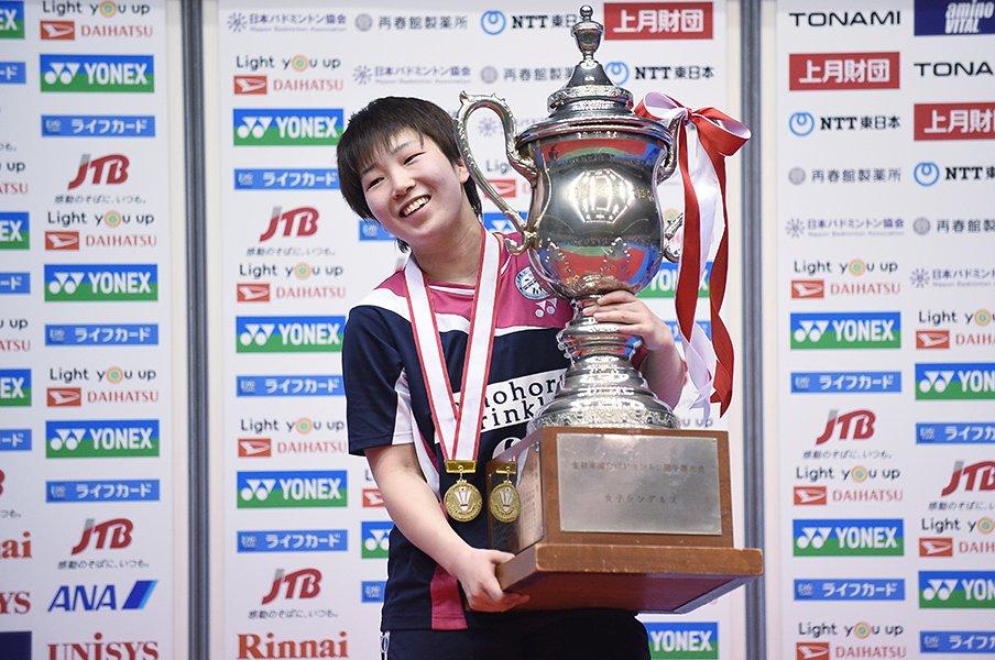 バドミントン世界1位の野心と我慢。全日本連覇・山口茜の幅が広がった。<Number Web> photograph by Itaru Chiba/AFLO
