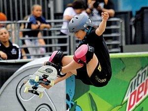 海外スケーターを抑え初優勝。中1・岡本碧優の尽きぬ伸びしろ。~女子スケボーの金メダル候補~