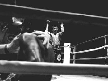 <拳の記憶> 長谷川穂積vs.ウィラポン&F・モンティエル 「誇り高き勝利と敗北」<Number Web> photograph by AFLO