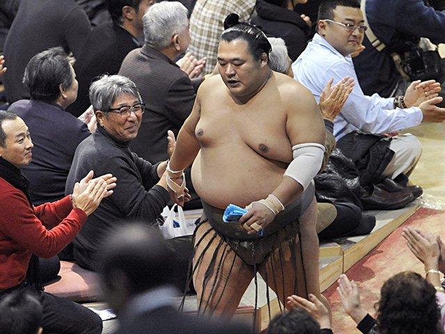 豊ノ島の引退で考える「関脇」問題。初昇進から1年の成績が未来を占う?<Number Web> photograph by Kyodo News