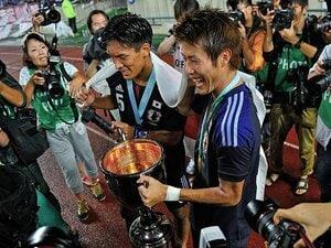 柿谷の2ゴールで東アジア杯初優勝。本田とは異なる1トップ&トップ下像を。