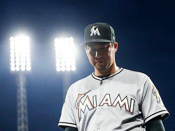 田澤純一に3度目の復活はあるか。MLB復帰への執念と「田澤ルール」。<Number Web> photograph by AFLO