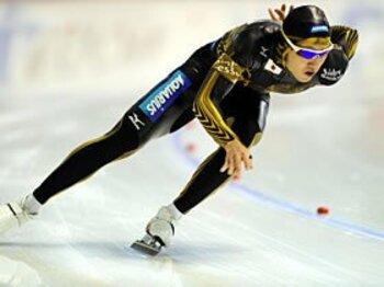 """スケート界の""""レーザー・レーサー""""?ウエアを巡るハイテク開発競争。<Number Web> photograph by Keisuke Koito/PHOTO KISHIMOTO"""