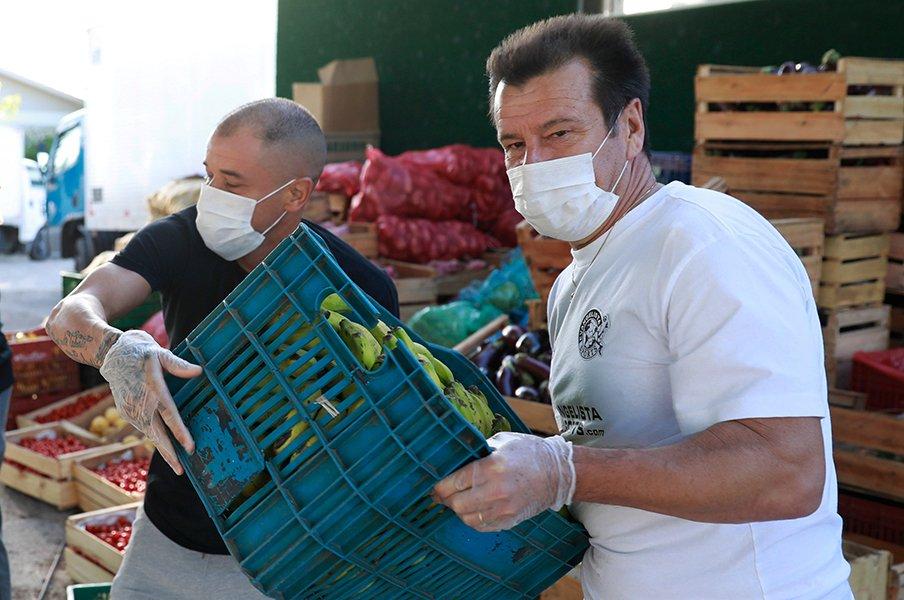 ドゥンガは食糧25トン、ジーコは?セレソン勇士のコロナ支援が物凄い。<Number Web> photograph by REUTERS/AFLO