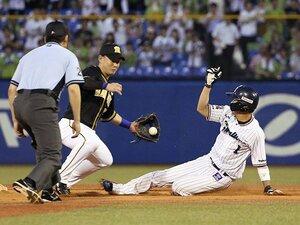 山田哲人が走って挑む歴史的偉業。連続成功の次は100%の盗塁王を!
