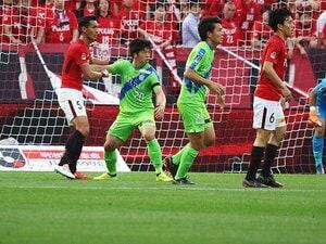 小柄でも湘南・坂圭祐はデカいヤツ。楽しんで浦和を完封、クールなCB。